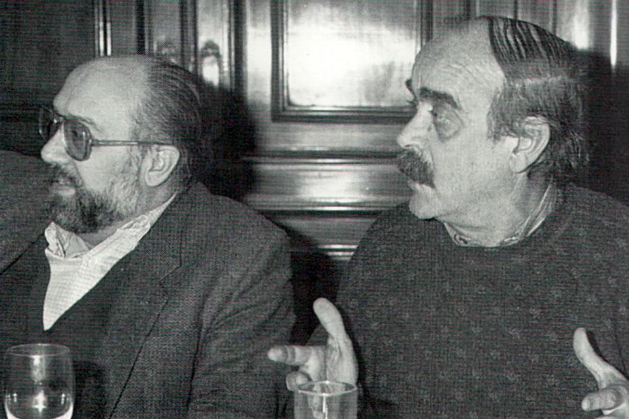 Labordeta, el viajero de la mochila Allá por 1991 nos juntábamos con José Antonio Labordeta. Se encontraba rodando por los pueblos de España…